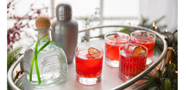 Recipe! Pomegranate Margarita… made with Patrón Silver Tequila & […]